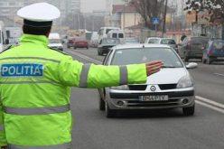 Beată și fără permis la volan, reținută de polițiști