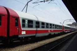 Statul va fi obligat să plătească despăgubiri călătorilor CFR, dacă întârzie trenul