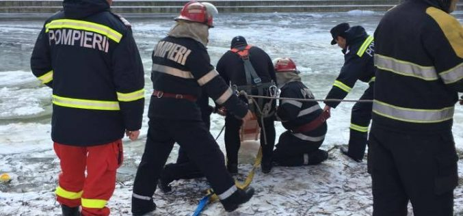 FOTO: Misiune imposibilă! Pompierii bihoreni caută o personă dispărută în apele Crișului Repede de săptămâna trecută