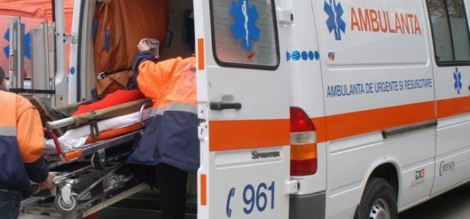 Două persoane au fost rănite în urma unui accident cu patru mașini implicate