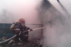 Bărbat rănit într-un incendiu în Bihor. Acesta a încercat să salveze bunurile fabricii la care lucra