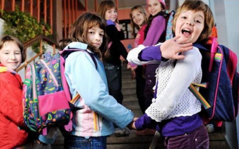 Mai multă vacanţă pentru elevi! Ministerul Educaţiei: Trei sferturi dintre părinţi şi elevi au optat pentru ca anul şcolar să înceapă la această dată