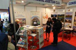 FOTO: Atracţiile turistice din Cluj, promovate cu cristale de sare de la Salina Turda și casete de lemn personalizate la Tîrgul de Turism al României