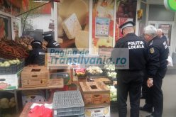 GALERIE FOTO: Razie în cartierul Mărăști la comercianții care și-au expus marfa pe trotuar.