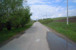 FOTO Încă un drum din Cluj intră în reperații. Se va așterne asfalt pe 16 kilometri între Petreştii de Jos și Lita