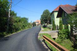 FOTO Lucrări de întreţinere şi covor asfaltic pe drumul Gheorgheni – Centura ocolitoare Apahida-Vâlcele