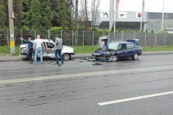 FOTO Accident grav pe Bulevardul Munci din Cluj. Patru oameni au fost răniți
