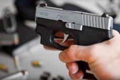 Scandal cu pistol și spray lacrimogen la Cluj. Patru tineri au fost reținuți de polițiști