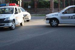 Patru persoane bănuite de furt, prinse de polițiști