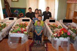 Sfâşietor! Patru dintre cei nouă copii ai familiei Petruţ-Pop din Negrileşti, în sicrie