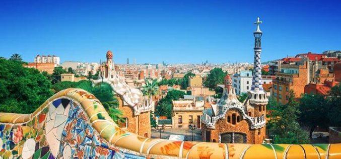 Barcelona încearcă să scape de turişti. Măsurile luate de autorităţi începând de anul acesta