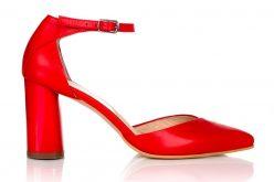 Cinci motive pentru care trebuie să porți pantofi cu toc