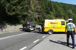 FOTO-VIDEO: Accident grav la Negreni! Un autoturism pătruns pe constrasens s-a izbit violent de un camion! Șoferul mașinii a decedat