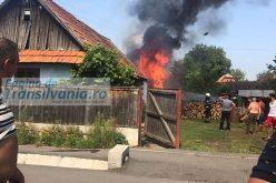 FOTO / VIDEO: Gospodărie în flăcări. Se întâmplă la Gilău