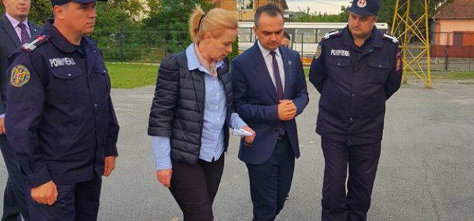 Ministrul Afacerilor Interne a ajuns în județul Cluj pentru evaluarea pagubelor! Carmen Dan a vizitat și spitalul din Huedin