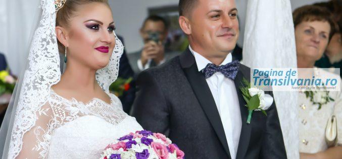 Galerie Foto: Nuntă mare în PMP, primarul orașului Ulmeni din Maramureş, Lucian Morar s-a însurat cu celebra cântăreaţă de muzică populară, Ioana Pricop.