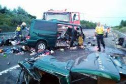 VIDEO. Accidentul din Ungaria a fost surprins în direct. Şoferul microbuzului făcea live pe Facebook