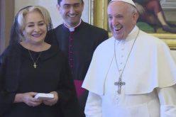 VIDEO: Premierul Viorica Dăncilă a fost primită în audienţă de către Sanctitatea Sa Papa Francisc