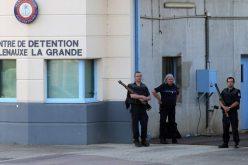 Un român a luat ostatic un gardian, în închisoarea din Franţa
