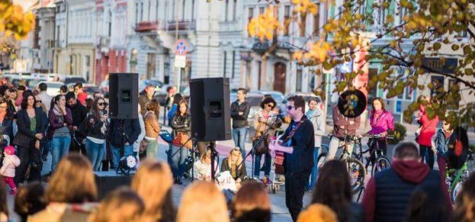 Cluj-Napoca va găzdui 80 de spectacole în stradă într-o singură zi