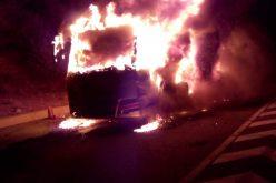 FOTO/ VIDEO: Autocar in flacari pe centura Valcele-Apahida
