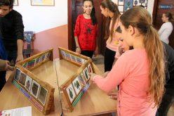 Istoria castelelor transilvănene transmise prin jucării