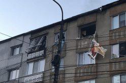 VIDEO/ FOTO: Explozie la un apartament din Bistrita. Un barbat a incercat sa se sinucida …