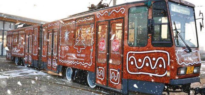 Tramvaiul lui Moș Crăciun circulă pe străzile Clujului!