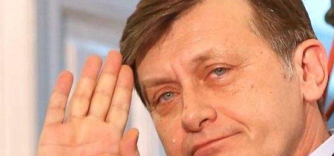 Crin Antonescu ar putea deschide lista Partidului Ecologist Român ( PER ) pentru europarlamentare