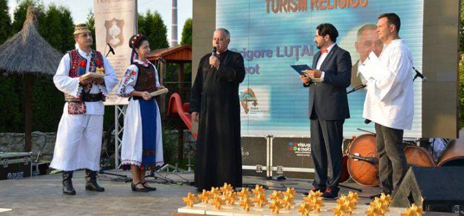 Preotul ortodox Lutai pierde procesul pentru dreptul de autor al crucilor vesele de la Săpânţa