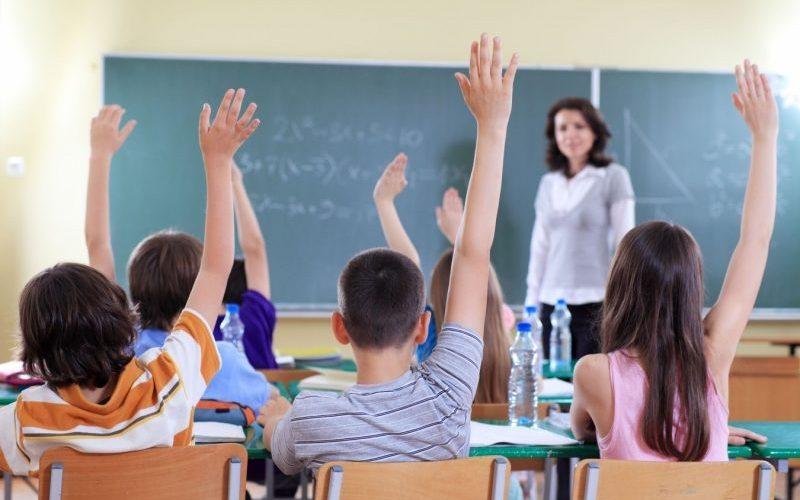Școala sub propunerile INSP. Cursuri de 30 de minute, pauze de 20 și 15 elevi în clase