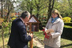 """Căsuțe cu cărți amplasate în Parcul Sportiv """"Iuliu Hațieganu"""" din Cluj"""