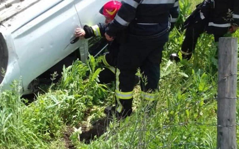 FOTO: ACCIDENT RUTIER IN JUDETUL BISTRITA-NASAUD. TREI AUTOTURISME IMPLICATE!