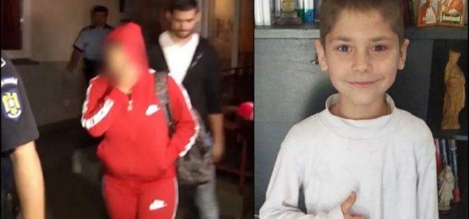 Clujeanca acuzată că și-a omorât în bătaie fiul de 9 ani, rămâne după gratii. Judecătorii i-au mai dat 30 de zile de arest