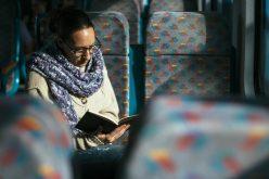 Vineri, la Cluj, cei care citesc o carte în autobuze călătoresc gratuit.