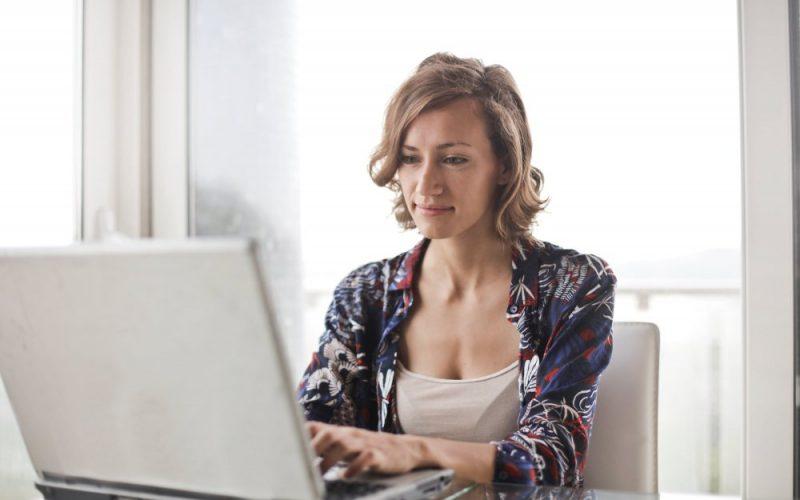 Curiozitate demascată – în ce condiții lucrează fetele în videochat