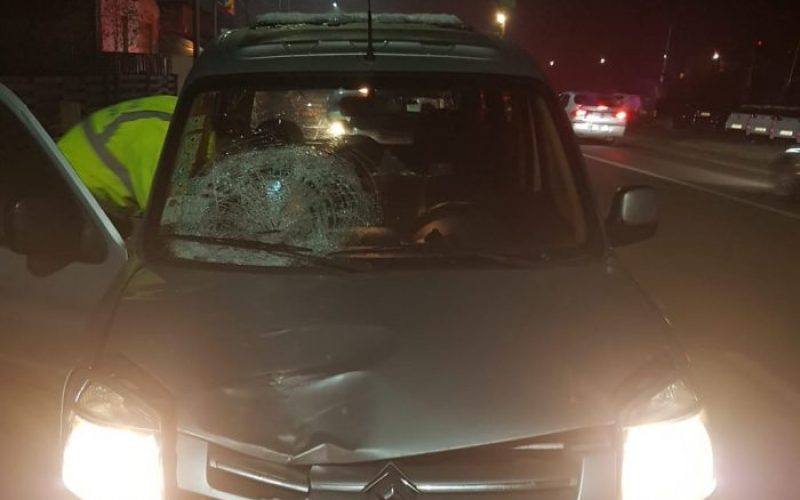 VIDEO | Fată de 17 ani spulberată pe trecerea de pietoni de o mașină condusă de un cetățean german