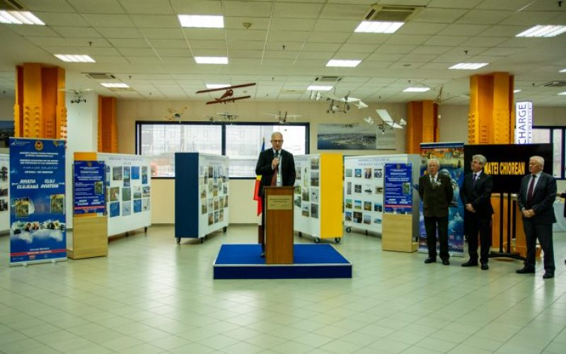 Ziua Internațională a Aviației Civile sarbătorită, în avans, la Aeroportul Internațional Avram Iancu Cluj, cu o lansare de carte și vernisajul unei expoziții de fotografii.