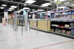 Kaufland România anunță noi măsuri de siguranță și instalează geamuri de protecție la casele de marcat