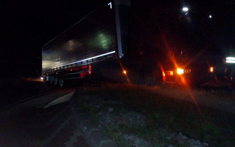 Camion implicat într-un accident pe A3