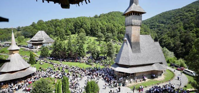 FOTO | Mănăstirea Bârsana, Raiul din inima Maramureşului
