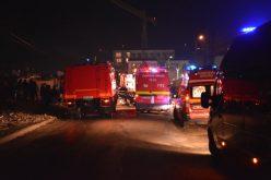 Incendiu puternic la mai multe barăci improvizate pe strada Cantonului – VIDEO / FOTO