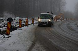 Iarnă în toată regula în Maramureş! Mai multe drumuri sunt blocate din cauza zăpezii! VIDEO