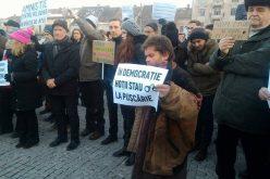 FOTO/VIDEO Protest la Cluj, împotriva ordonanței privind grațierea