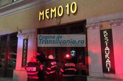 FOTO: Alertă la Cluj! Un incendiu a izbucnit la restaurantul Memo 10, din cauza unei țigări aruncate din stradă
