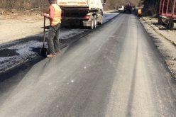 FOTO Lucrări de asfaltare pe drumul judeţean DJ 107N Someşu Rece – Gura Râşca