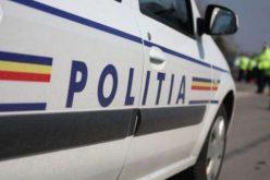 Impact ucigaș. Șoferul unui BMW a lovit o femeie care trecea strada, iar aceasta a rămas pur și simplu pe capotă