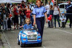 VIDEO Tainele meseriei de polițist, dezvăluite celor mici la Orășelul Copiilor