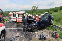 FOTO ȘI VIDEO Grav accident pe DN1C în Cluj. O persoană a fost scoasă din mașină de un echipaj de descarcerare