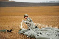 12 militari americani s-au accidentat pe timpul unui exercițiu de parașutare la Baza Aeriană 71 Câmpia Turzii. 10 dintre ei vor fi externați astăzi